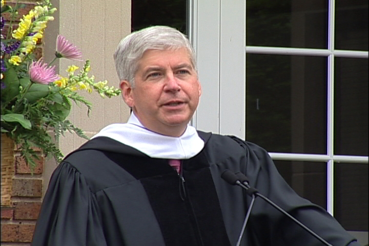 Governor Rick Snyder giving commencement speech